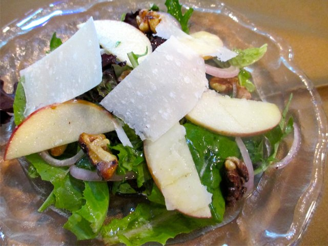 Apple and walnut salad with lemon vinaigrette