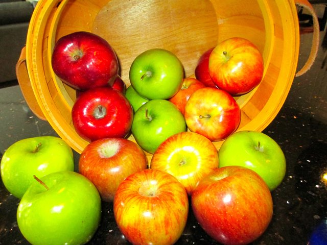 ChefBelinda_Apples.jpg