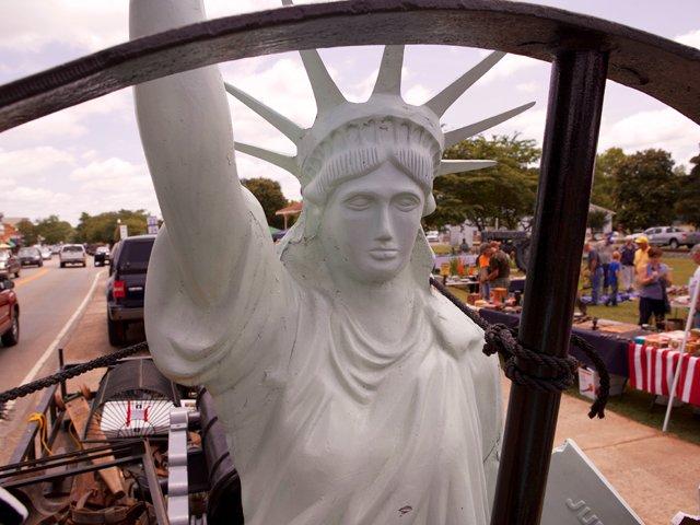 Peach-Tree-23-yard-sale-statue-of-liberty.jpg