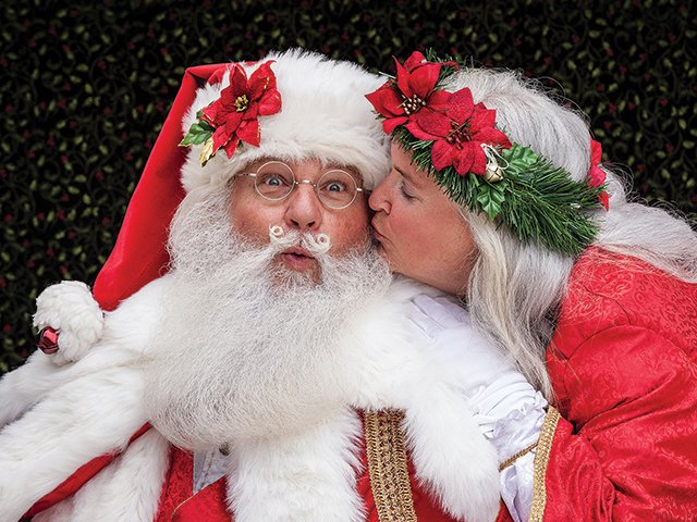 Dale-Trish-Parris-Mr-Mrs-Claus.jpg