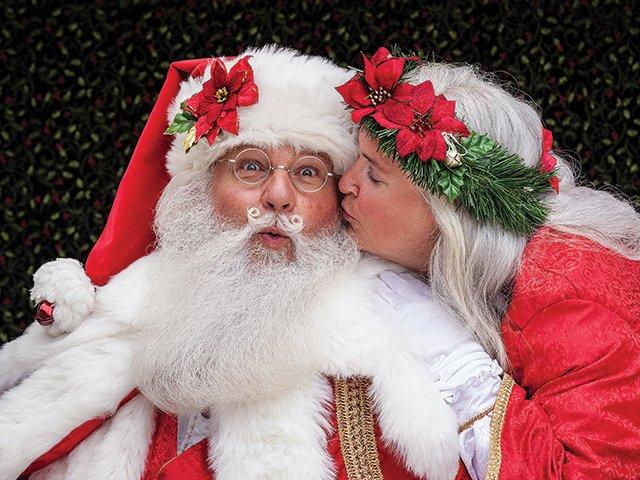 Dale-Trish-Parris-Mr-Mrs-Claus.jpg