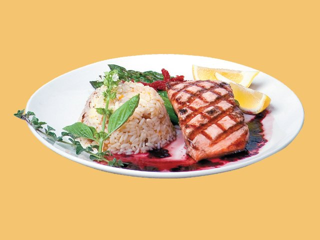 GRILLED SALMON WITH BLACKBERRY CHIPOTLE SAUCE