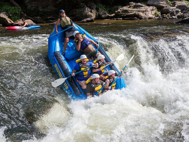White-water-Chattooga-Rafting.png