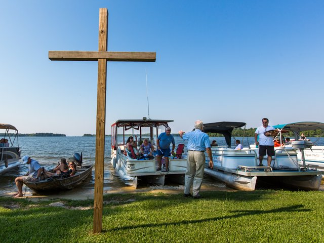 boat-church-cross.png