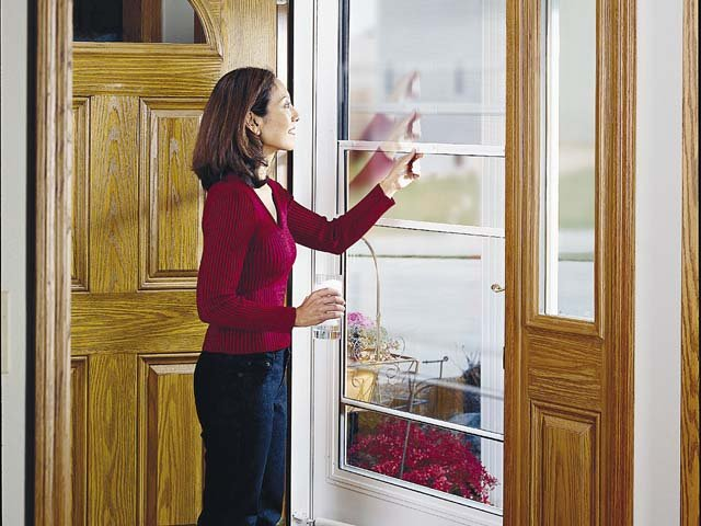 Sizing up storm doors for Storm door with roll up screen