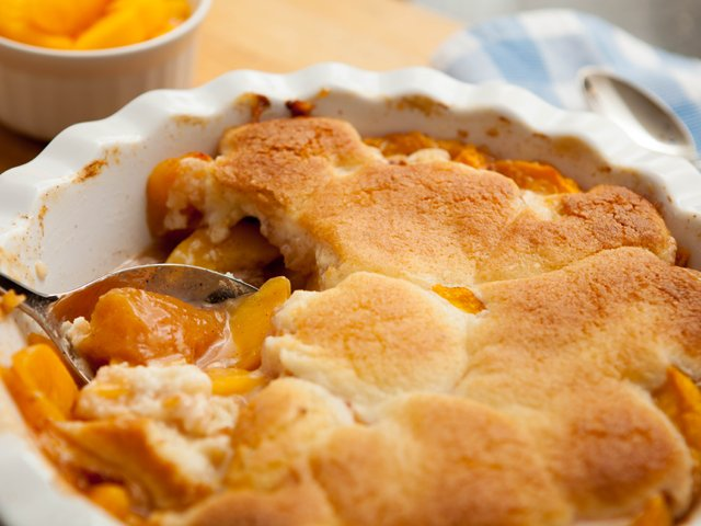 perfectly-easy-peach-cobbler.png