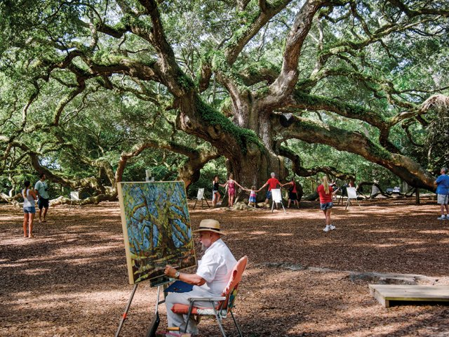 angel-oak-with-artist-frank-deloach.jpg