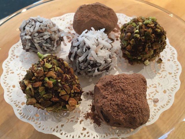 chef-belinda-truffles.png