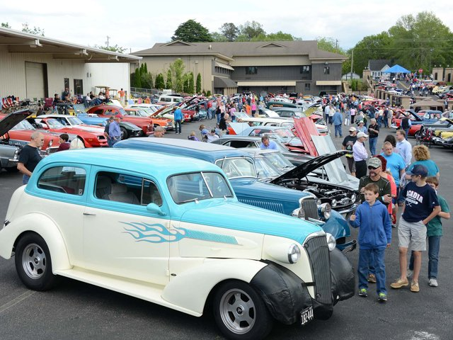 Blue-Ridge-Fest-Classic-Car-Cruise-In (2).png