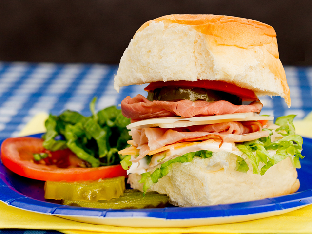 Recipe-0718-ColdCutSliders-7448-by-Gina-Moore.png