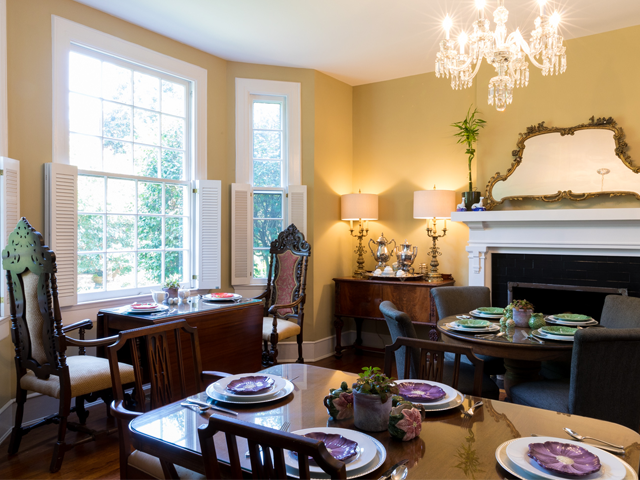Clevedale-B&B-Dining-Room-Antiques.png