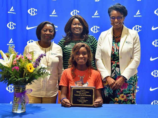 Summerville-teen-wins-R-D-Bennett-Scholarship_edited-1.png