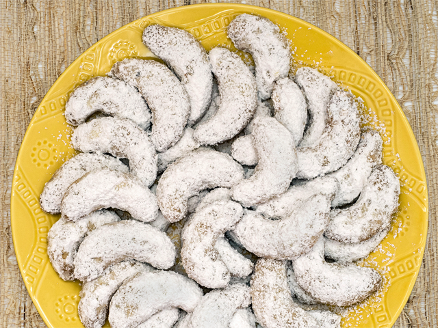 Recipe-1118web-German-Crescents-Karen-Hermann.png