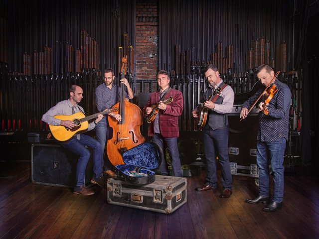 Travelin' McCourys - Official Photo_1500.png