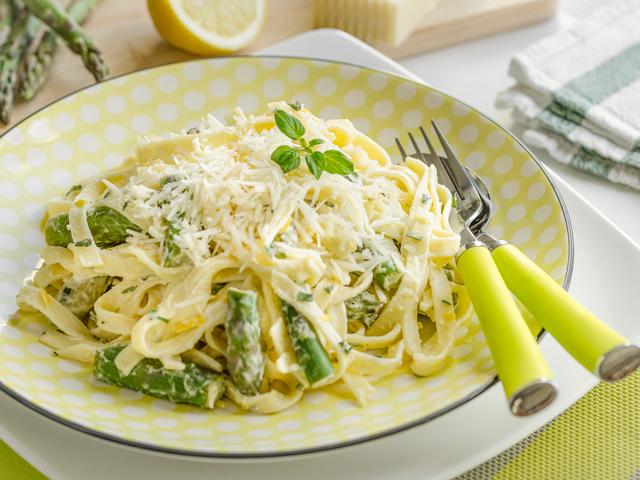 Recipe 0219-Lemon asparagus fettuccine (3) by Gwénaël Le Vot.png
