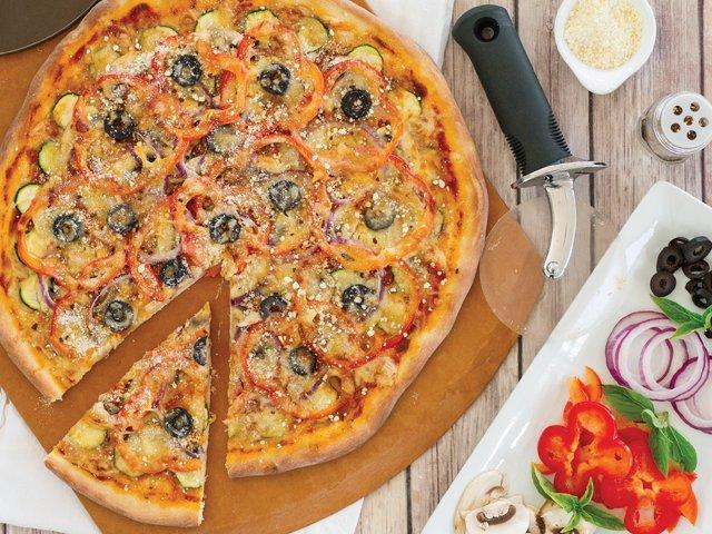 Recipe 0319-VeggiePizza 8691 by Gina Moore_.png