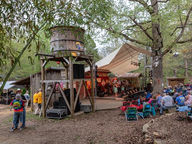 Skunkfest_Spring-Stage.png