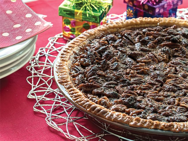 Recipe-1219-ChocBourbonPie2-by-Karen-Hermann.png
