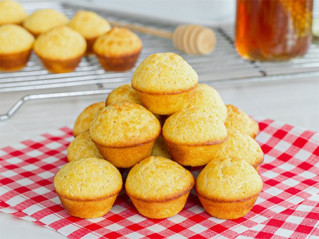 Recipe 0520-Cornbread Mini Muffins-1622 by Gina Moore.png