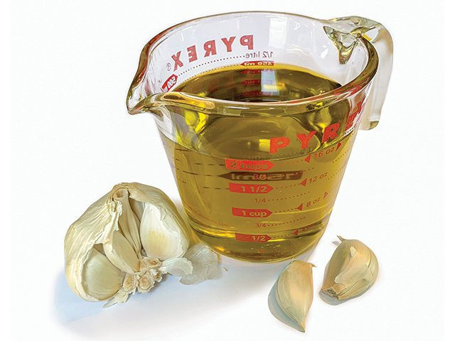 Recipe-0620-GarlicOliveOil-by-Sharri-Wolfgang.png