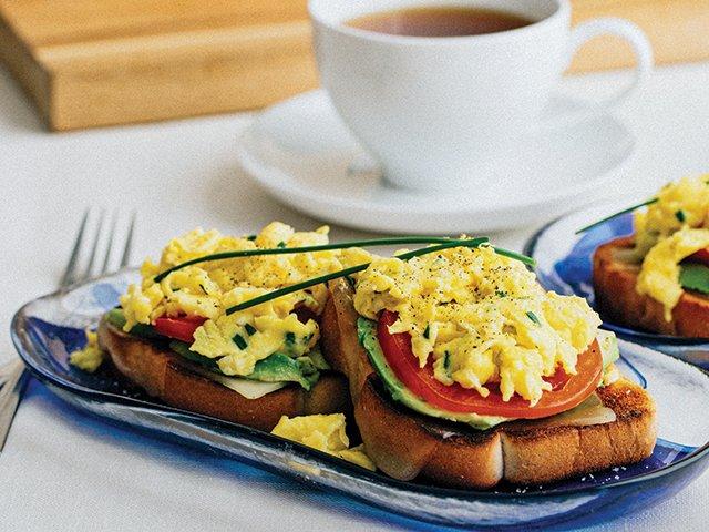 Brunch-fluffy-eggs-texastoast-640x480.jpg