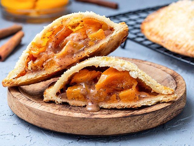 Recipe-0621-handheld-peach-pies-by-Iuliia-Nedrygailova.jpg