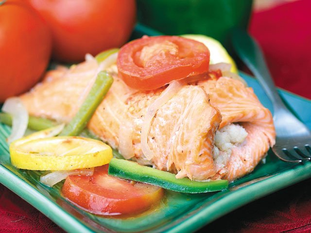 Honeymooners' grilled red snapper