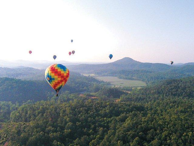 Travels_Helen_Balloon.jpg